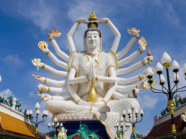 Hinduistische Götterstatue in Thailand