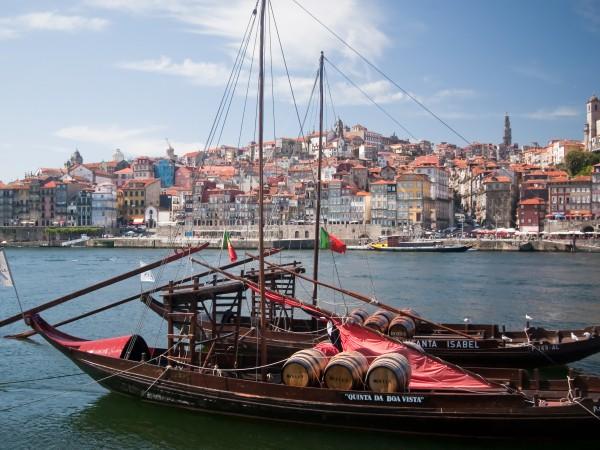 Altes Segelschiff im Hafen von Porto