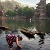 Japanische Frauen an einem Fluss beim Waschen